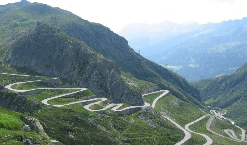 The Ten Highest Elevation Roads in the World 1