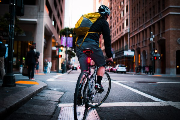 Lucnt SRL1 is a Smart Bike Light That Lets People Know When You're Slowing Down 30