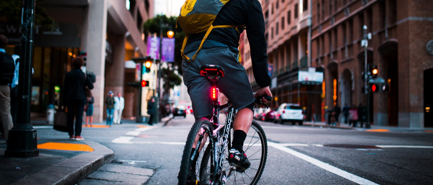 Lucnt SRL1 is a Smart Bike Light That Lets People Know When You're Slowing Down 1