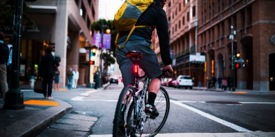 Lucnt SRL1 is a Smart Bike Light That Lets People Know When You're Slowing Down 12