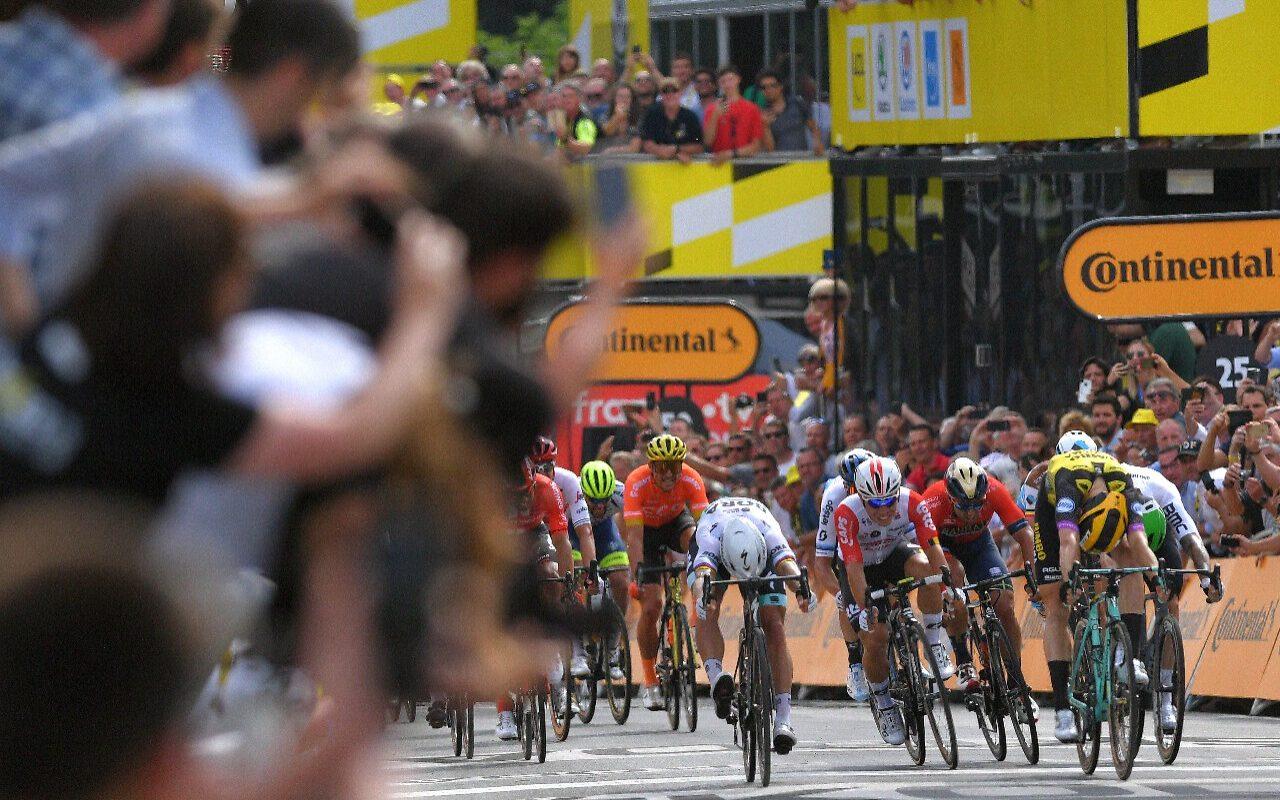 Teunissen Takes Surprise Stage 1 Victory at 2019 Tour de France 4
