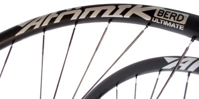 Atomik Carbon Announces Ultralight Gravel/MTB Wheelsets with UHMWPE Spokes from Berd 15