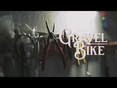 Video: Building a Vintage Gravel Bike from a Federal Cycle Bobcat Pathfinder