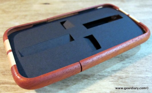 geardiary_miniot_iwood_cobra_wooden_iphone_case-2