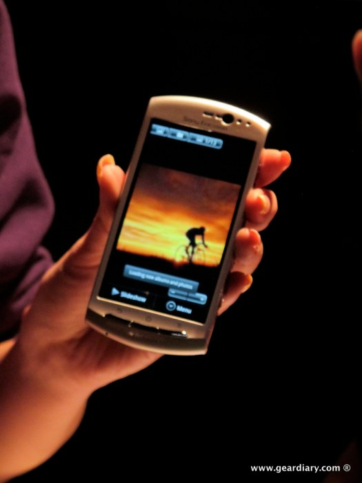 geardiary-chipchick-sony-ericsson-mobile-word-congree-pro-neo-play-68