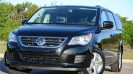 2011 Volkswagen Grand Caravan ... or is it the Chrysler Routan?