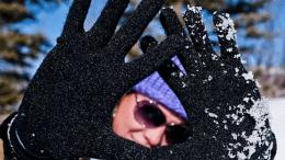 GearDiary Shootout! Touchscreen-Friendly Gloves - iTouch Touchscreen Gloves vs. Agloves