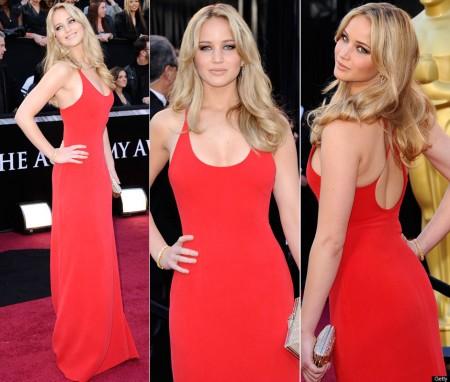 Jennifer-Lawrence-At-The-2011-Oscars-Red-Carpet-450x382