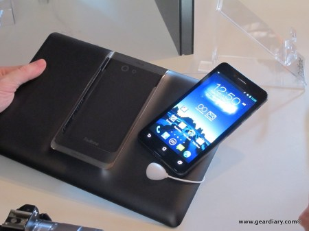 ASUS PadFone Infinity Is a Phone and Tablet in One