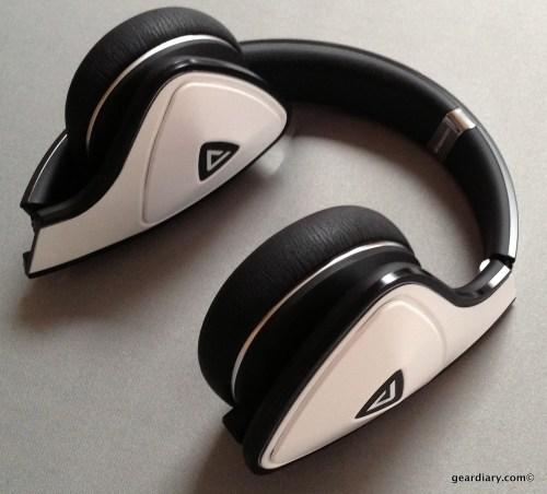 White Tuxedo Monster DNA Headphones- Gear Diary Review-012