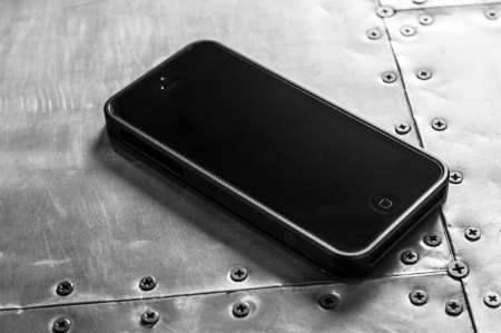 Designed by M AL13 AeroSpace Aluminum Bumper for iPhone 5 Review