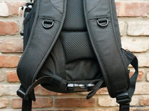 Lowepro DSLR Video Fastpack 150 AW Review- Perfect Size, Great Price