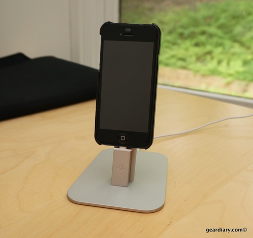 Twelve South HiRise Review - A Perch for Your iPhone 5 and iPad mini