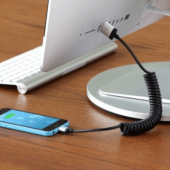 Just-Mobile-AluCable-Twist™-iPhone.png