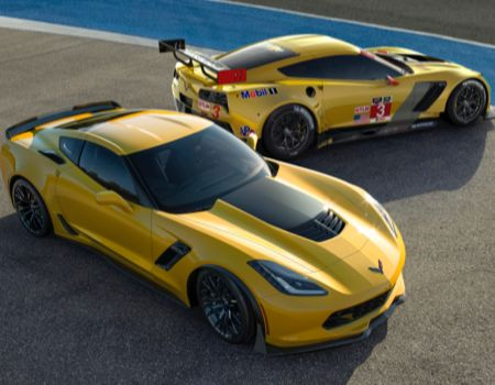 2015 Z06 and C7 R/Images courtesy Chevrolet