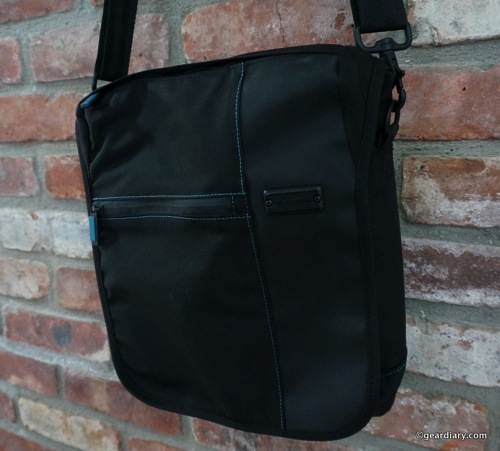 Take Your Tablet on the Go with the Skooba Design iPad/Tablet Courier V.3