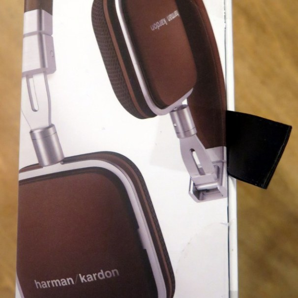 geardiary-harman-kardon-soho-on-ear-earphones-003