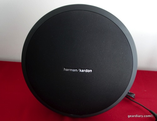 01 Gear Diary Harman Kardon Onyx Studio Mar 6 2014 2 33 PM 11