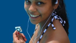 Underwater Audio iPod Bundle Lets Your Music Swim with the Fishes
