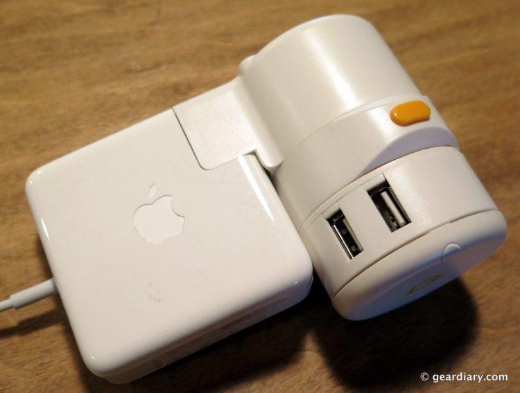 13-Oneadaptr Twist World Travel Adapter -012