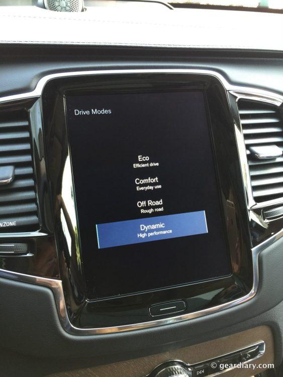 2016 Volvo XC90 T6 Test Drive.06-002