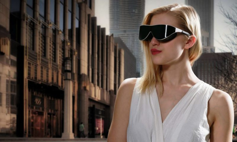 Dlodlo VR Glasses on Woman