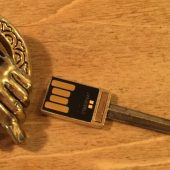 CustomUSB Makes Flash Drives for the Game of Thrones (and Other Shows) Fan in You