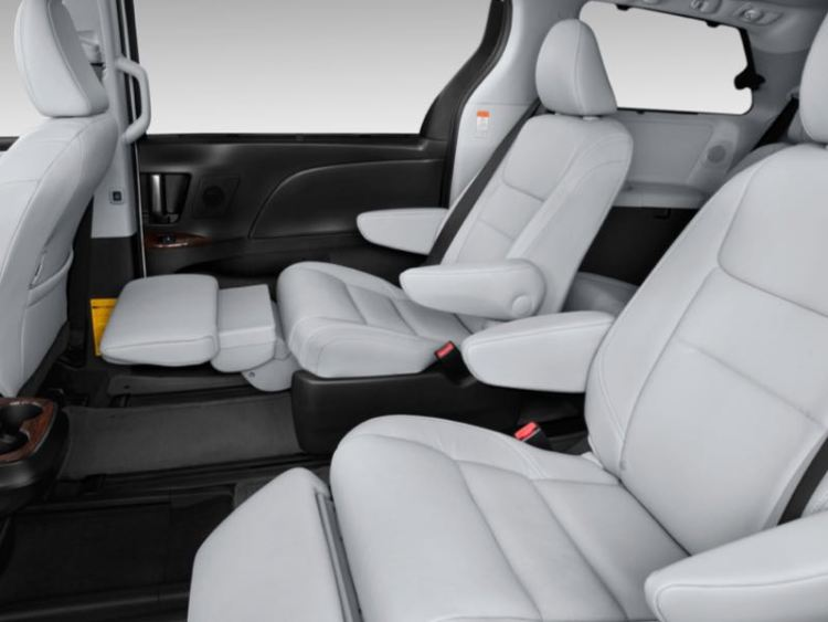 2015ToyotaSienna2ndrowseats