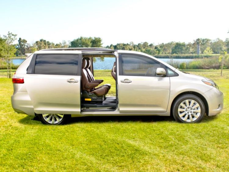 GearDiary 2015 Toyota Sienna Minivan: Transportation for the Ages