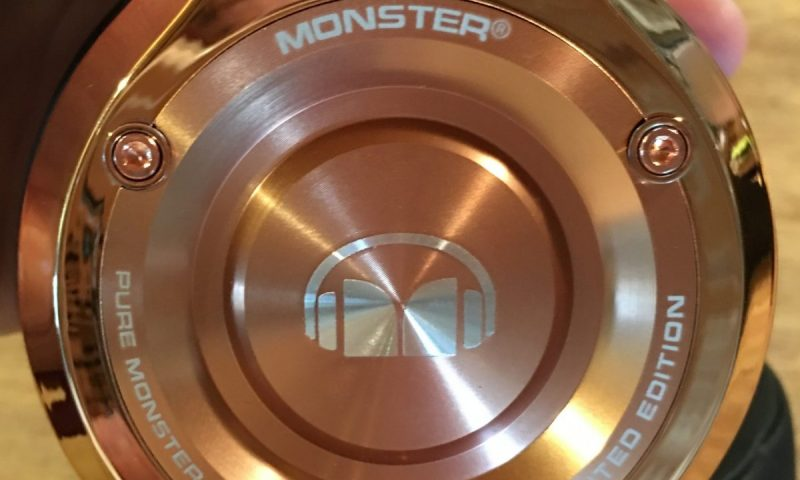 10-Gear Diary Reviews the Monster Limited Edition 24K Rose Gold Over-Ear DJ Headphones.15