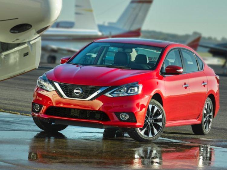 2016 Nissan Sentra/Images courtesy Nissan