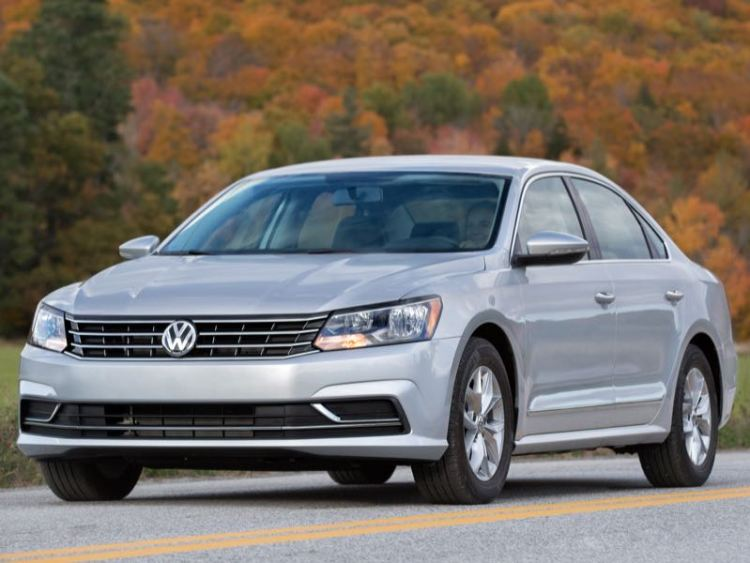 2016 Volkswagen Passat/Images courtesy Volkswagen