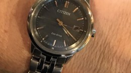 """The Citizen Sapphire Eco-Drive Watch Review: Geek Cred in a Not So """"Dumb Watch"""""""