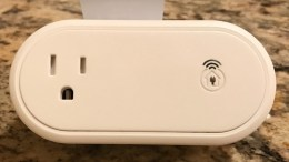 GearDiary Incipio's CommandKit Smart Outlet Helps Monitor Your Home through Apple's HomeKit