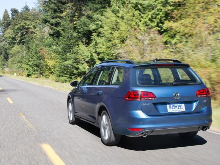 2017 VW Golf Sportwagen Great Alternative to the Compact Crossover