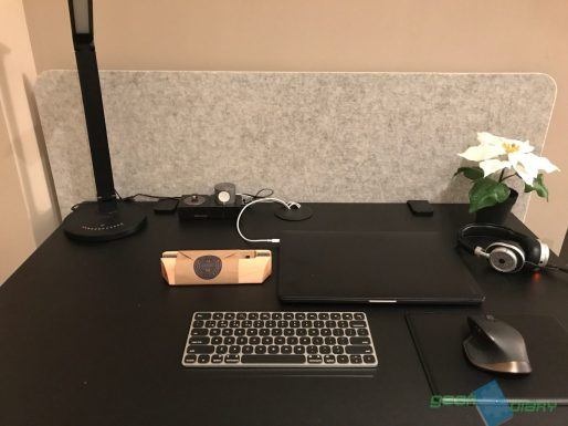 GearDiary Grovemade's Dock for Your New MacBook Pro Will Stand Out on Your Desktop