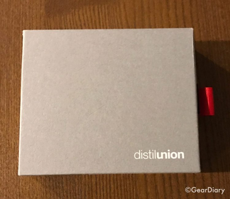 Distil Union Wally Bifold Is the Perfect Size for a Daily Carry