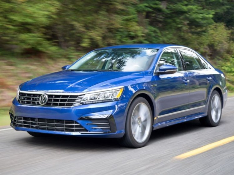 GearDiary 2017 Volkswagen Passat Toes the R-Line