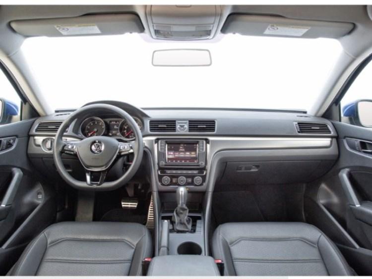 2017 Volkswagen Passat Toes the R-Line