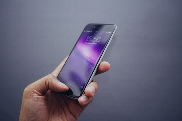 Up for Debate: How to Choose Your Next Smartphone