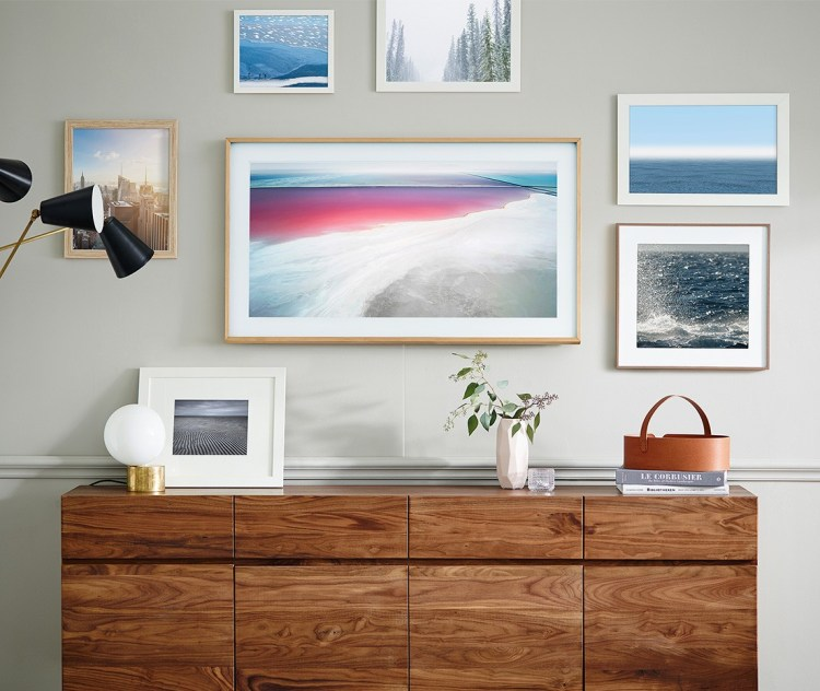 """GearDiary The Frame, Samsung's Nearly Invisible TV, Is Now Available in a 43"""" Model"""