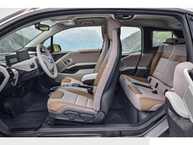 2018 BMW i3s Electrifies Luxury