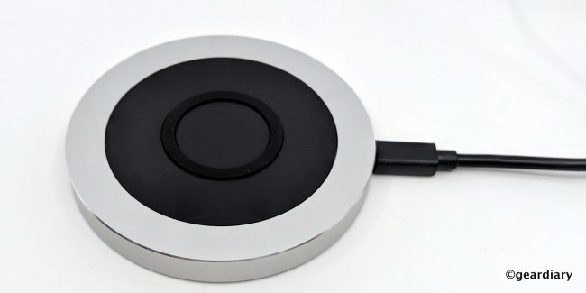 Just Mobile AluBase Wireless: Up to 10W of High-Speed Charging Depending on Your Device
