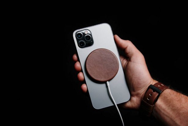 Nomad Leather Cover for MagSafe