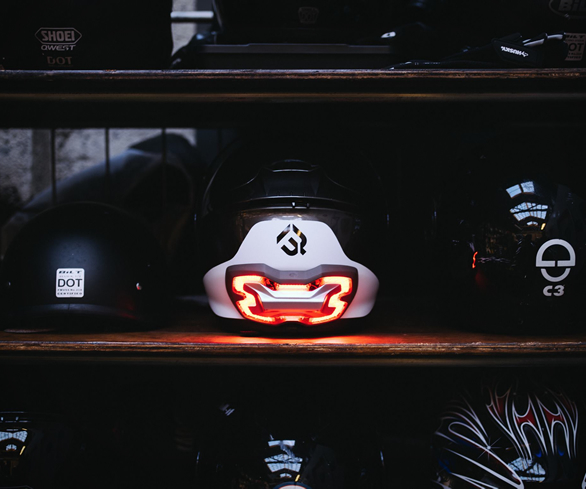 Motorcycle Helmet Brake Light – Safety a Smarter Way