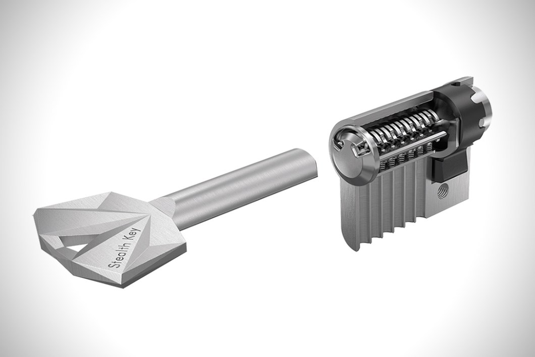 A Safer Door Key: The Stealth Key by UrbanAlps