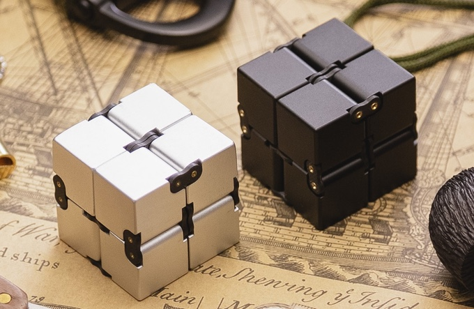 INFINITY CUBE – Can EDC Fidget Spinners Really be a Luxury Item?