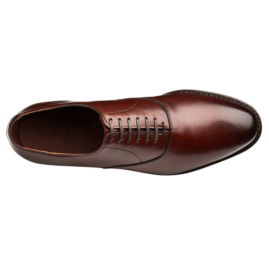 Style Essentials: The Allen Edmonds Carlyle Oxford