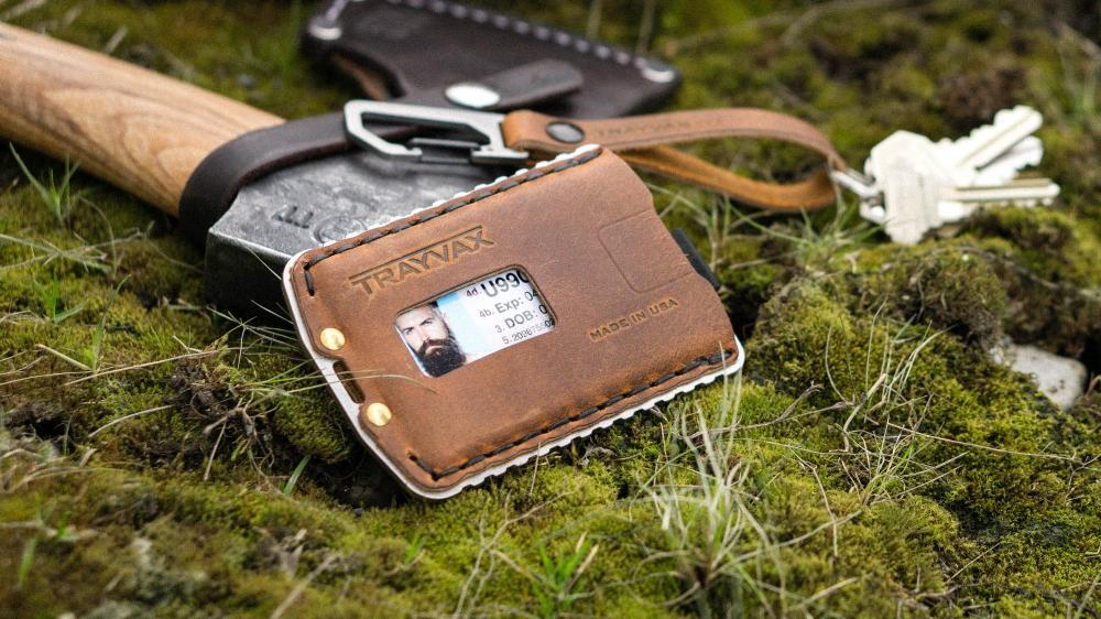 This Trayvax Minimalist Wallet Has A 65-Year Warranty