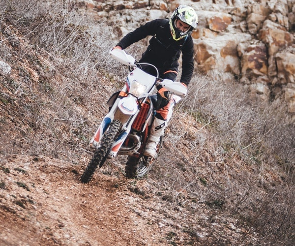 how to ride a dirt bike